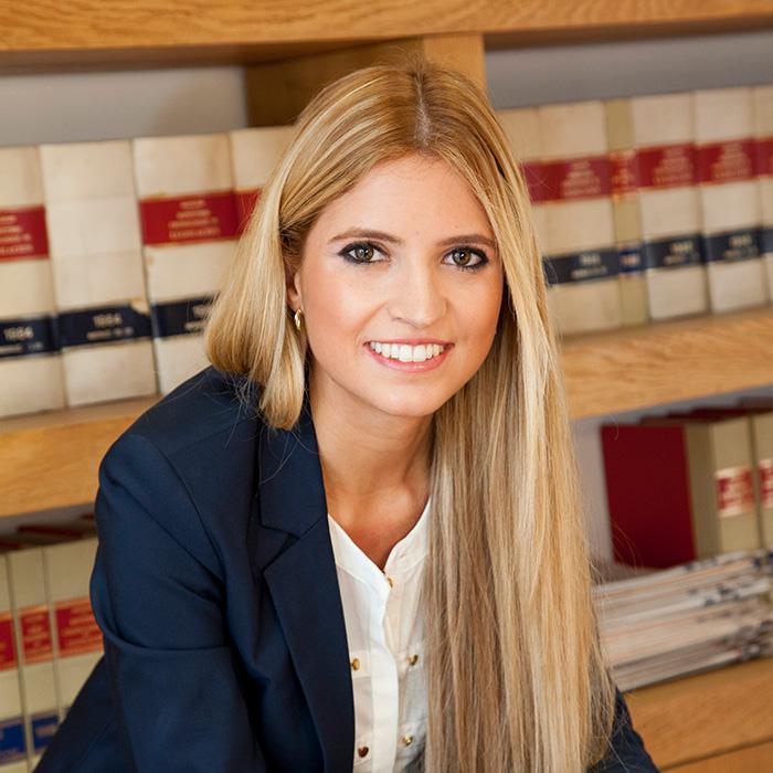 Beatriz profesional en asesoría fiscal